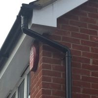 Deep flow guttering installation